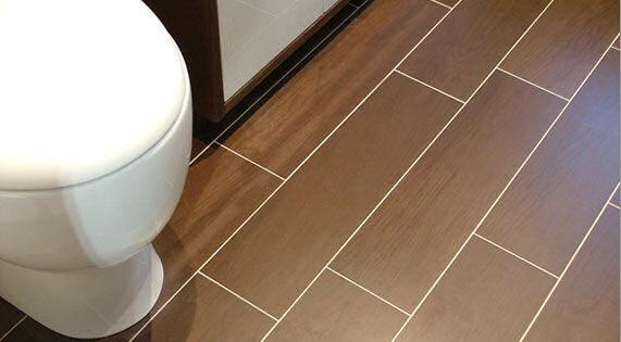 A sua casa de banho deve ser constituída por revestimentos adequados à sua utilização, tendo em conta o nível elevado de humidade que se pode instalar neste espaço.
