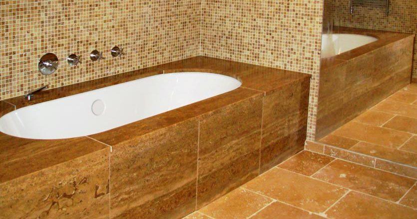 A estética e funcionalidade dos quartos de banho estão pensadas para lhe proporcionar o máximo conforto. Para um quarto de banho ser funcionalmente excelente é necessário equipá-lo com isolamentos, impermeabilizações, sistemas de ventilação, acabamentos e revestimentos adequados.