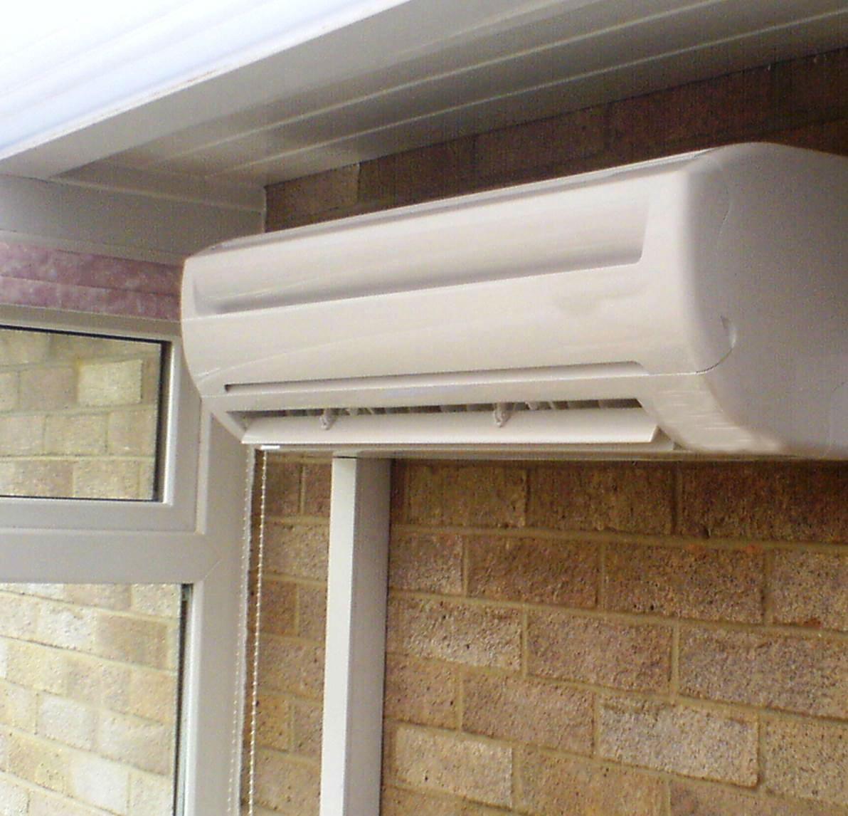 Algumas soluções de ar condicionado permitem a filtragem do ar para a eliminação de vírus, bactérias, agentes alergénicos, odores e fumos.
