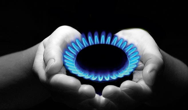 As instalações de gás estão sujeitas a medidas de fiscalização muito específicas, sendo comum a proibição, por parte das autoridades, do fornecimento de gás a todo o edifício até à correcção ou substituição da instalação.
