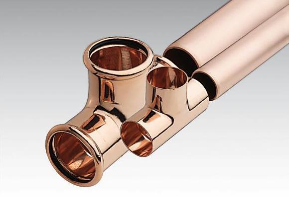Os tubos metálicos de cobre são os mais utilizados na canalização de habitações por serem muito resistentes à corrosão e a altas temperaturas.