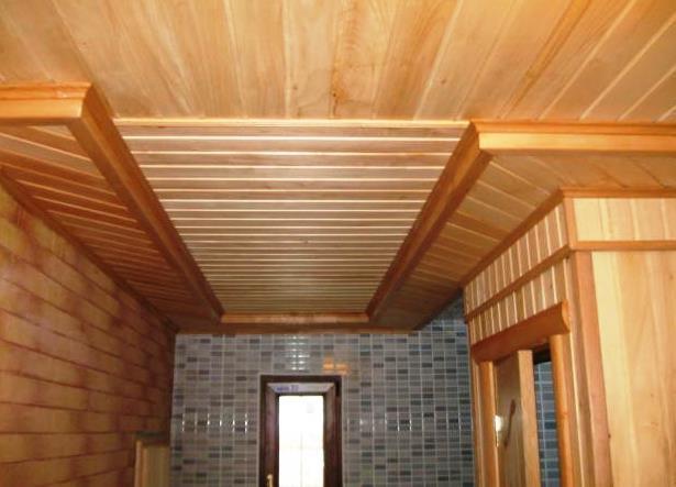 A CASA VIVA trabalha com os parceiros certos para carpintarias interiores e carpintarias exteriores, estruturais ou decorativas, restauros, reparações, afagamento, envernizamento, tratamento anti fúngico, protecção contra humidade e impermeabilizações.
