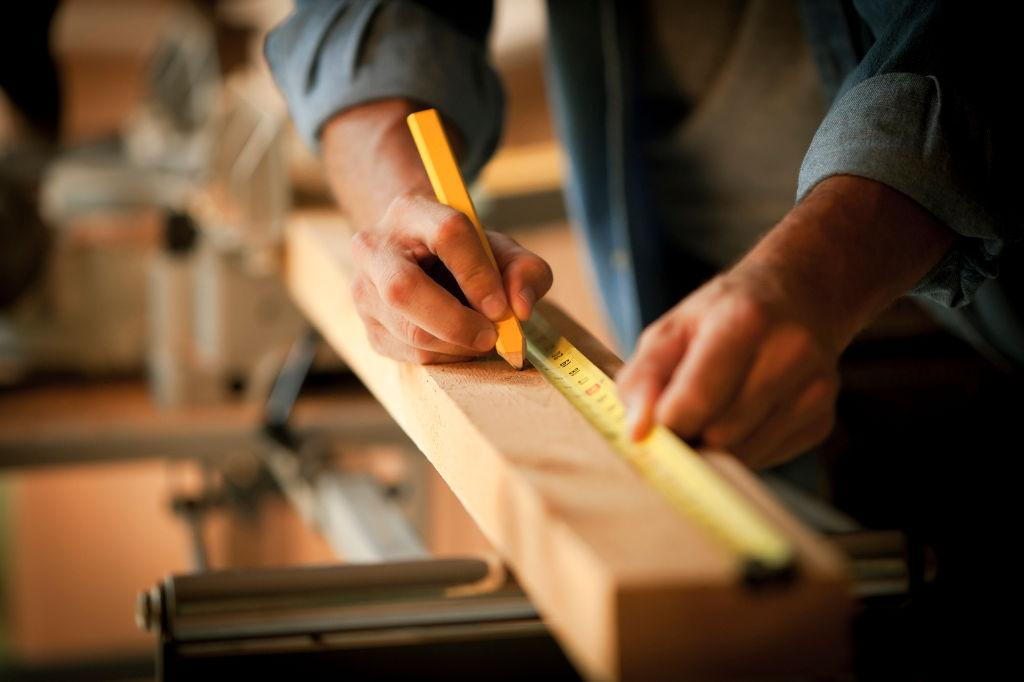 A madeira como material pode ser um grande complemento, tanto interior como exterior, de cada habitação.