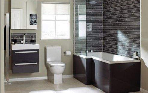 Existem vários tipos de revestimento para a sua casa de banho: Mosaico Cerâmico; Grés; Grés porcelânico; Azulejo Cerâmico; Pedra Natural; Estuque; Cimento Afagado; Microcimento; Tintas especiais para zonas húmidas; Teto falso com pontos de luz embutidos.