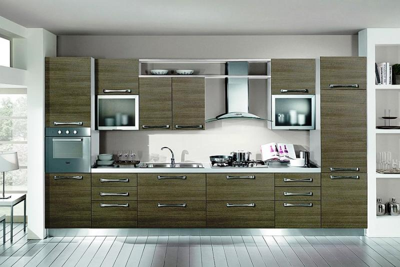 As cozinhas podem ser constituídas por equipamentos em aço, inox, alumínio ou mesmo madeira de acordo com o conceito pretendido.