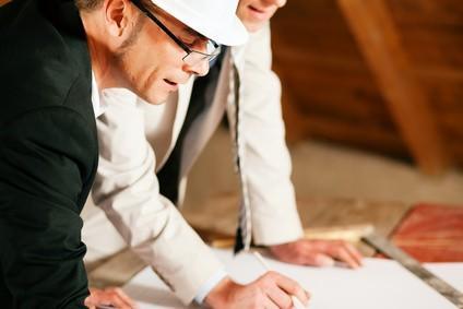 Para além de uma equipa com técnicos bastante experientes em Direcção e Fiscalização de Obra, a CASA VIVA tem também parcerias com técnicos especializados em Fiscalização.