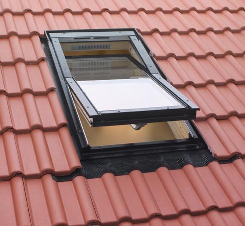 As telhas comercializadas em Portugal têm uma variedade enorme em termos de geometria e sistemas de encaixe.