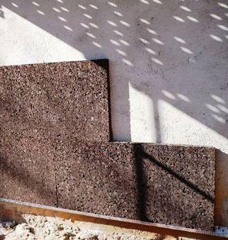 Existem materiais de isolamento mais ecológicos como é o caso da cortiça.