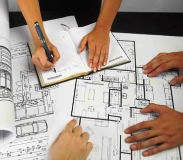 A escolha do Empreiteiro é feita de acordo com a melhor relação qualidade/preço.