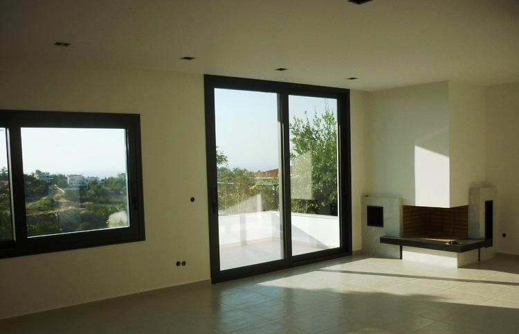 Impermeabilização, isolamento, reparação e pintura de fachadas ou pavimentos exteriores são algumas das remodelações exteriores que se podem realizar.
