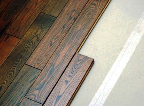 O pavimento flutuante é uma solução bastante económica no caso de remodelações ao nível de paramentos interiores horizontais.