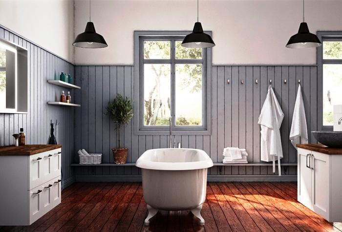Existe uma gama infindável de equipamentos e acessórios para tornar a sua casa de banho simples, confortável e funcional.