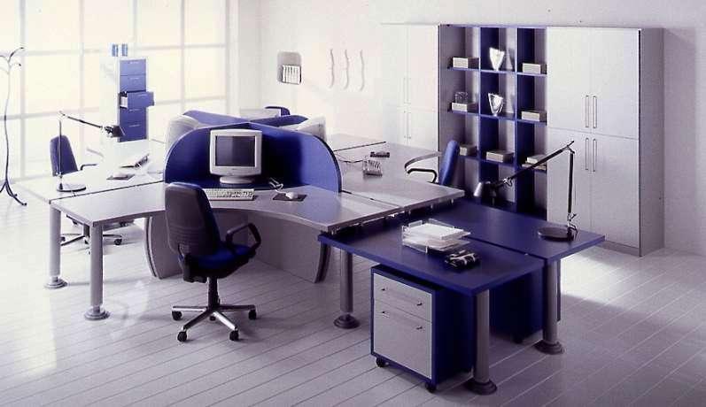 A natureza dos materiais utilizados num espaço de escritório define a personalidade da envolvente de trabalho.