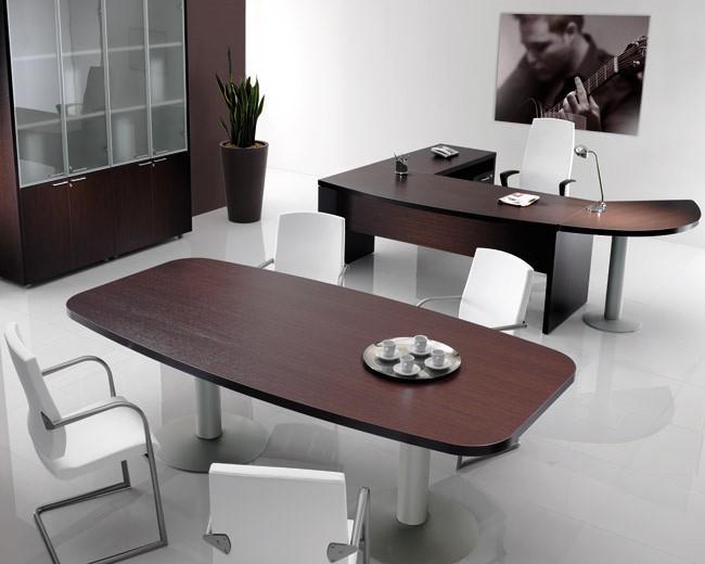 O espaço de trabalho pode ter uma temátia mais alegre e colorida ou pode haver uma utilização de equipamentos mais monocromática transmitindo um ar mais sóbrio e sofisticado.