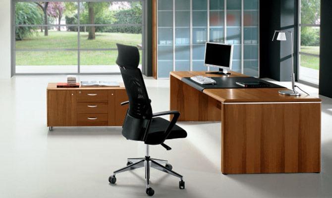 Os materiais que constituem os equipamentos dos escritórios podem ter brilho, textura, cores e diferentes naturezas para conferir ao espaço de trabalho a personalidade que pretende.