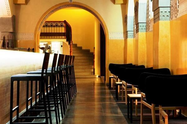 Existem vários estilos de espaços comerciais, dependendo muito do tipo de serviço que o mesmo oferece.