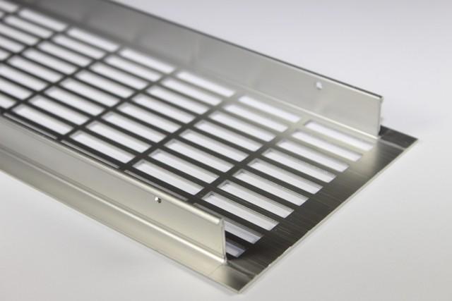 O alumínio ou o aço inox podem ser os materiais escolhidos para a execução destes elementos.