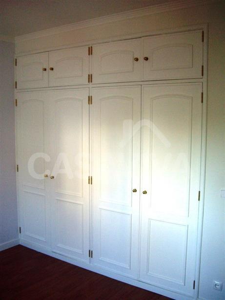 Foram recuperados vários elementos de madeira como armários e portas.