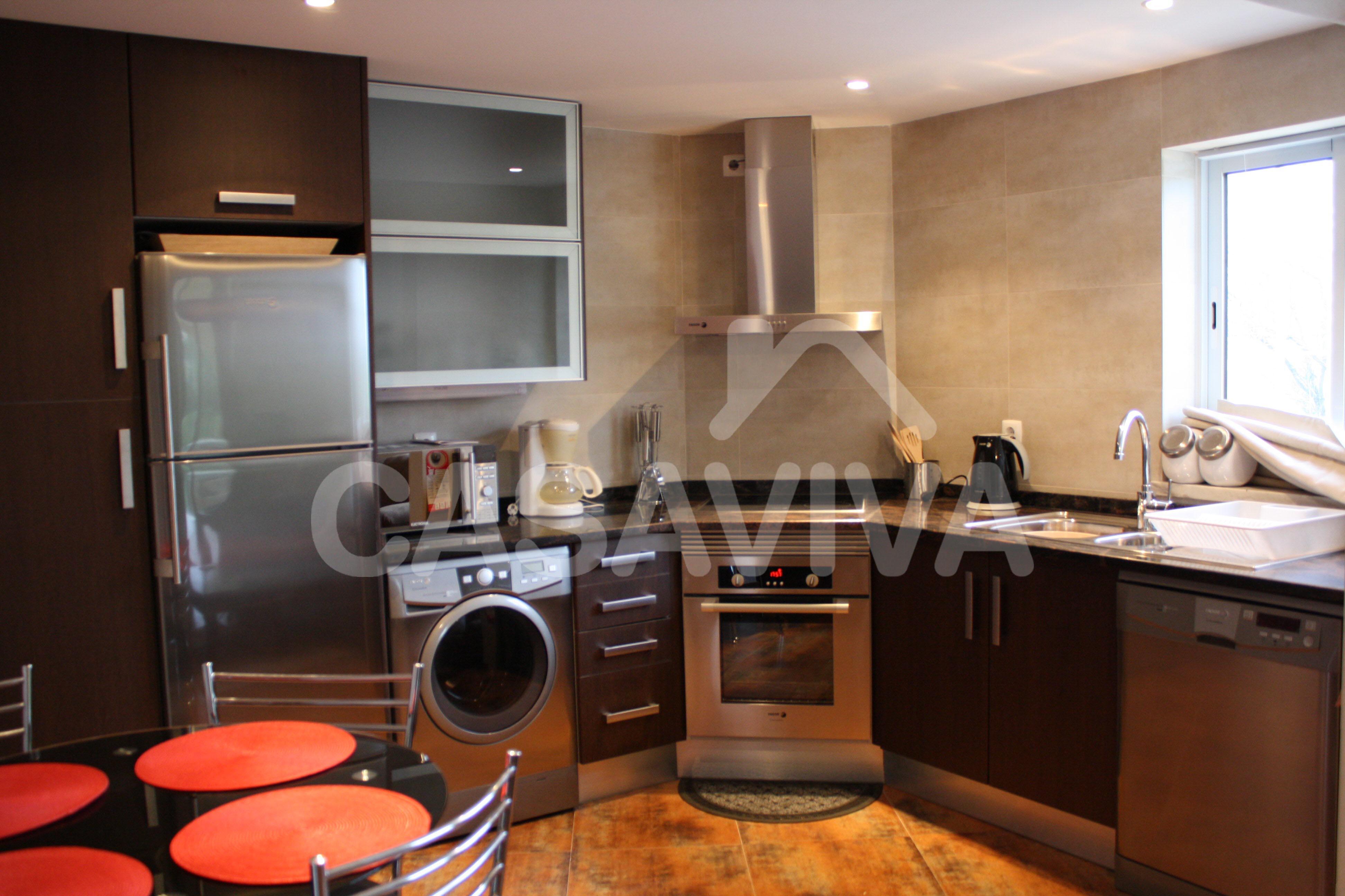 Móveis de cozinha em melamina à medida com electrodomésticos  #AE2D1D 3888 2592