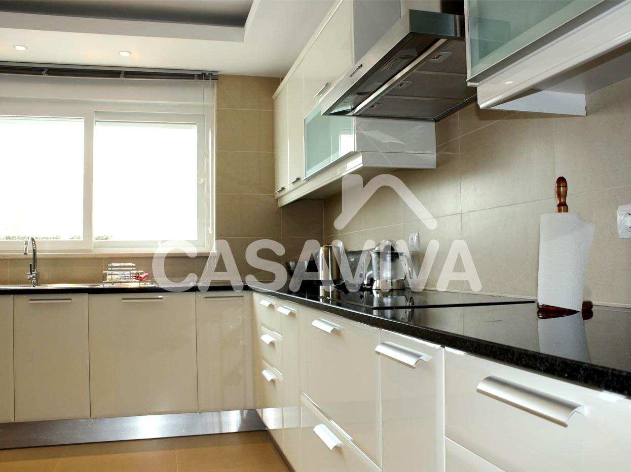 Portfólio Remodelação Total de Cozinha Remodelação de Cozinha  #7D6947 1245 933