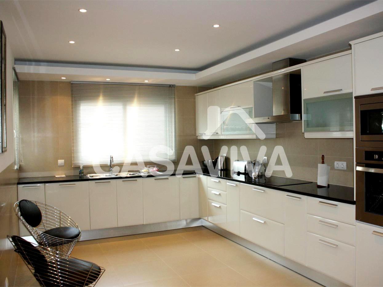 Móveis de cozinha em melamina à medida com electrodomésticos  #8D6C3E 1245 933