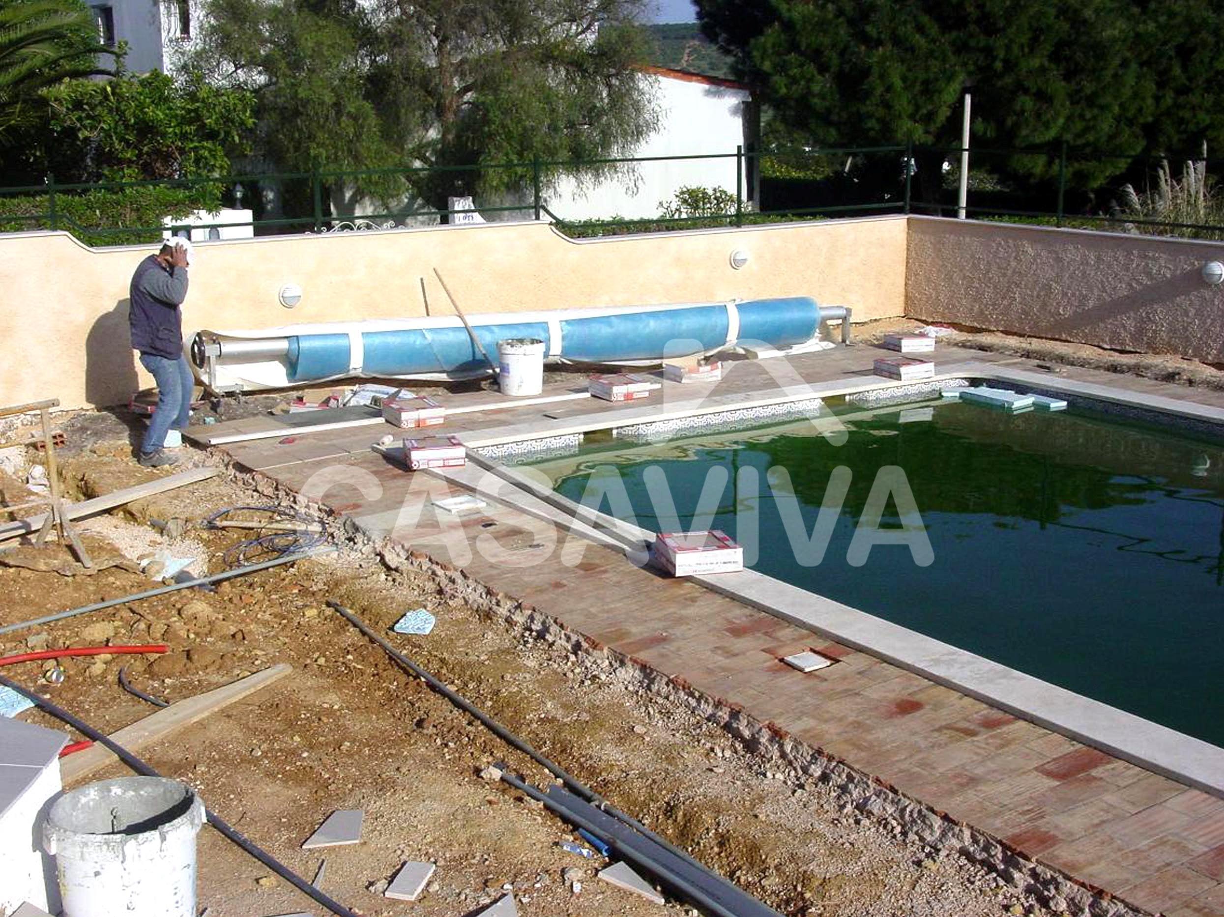 Portf lio revestimento de pavimento envolvente da piscina - Pavimentos para piscinas exteriores ...