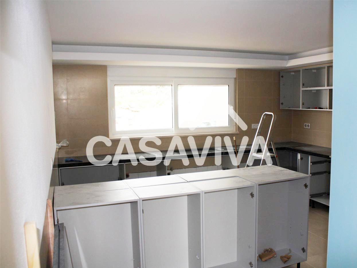 total de cozinha.Montagem de novos móveis de cozinha em melamina #3A7591 1245 933