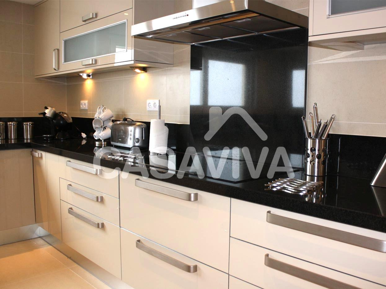 Remodelação total de cozinha com substituição de revestimentos  #986433 1245 933