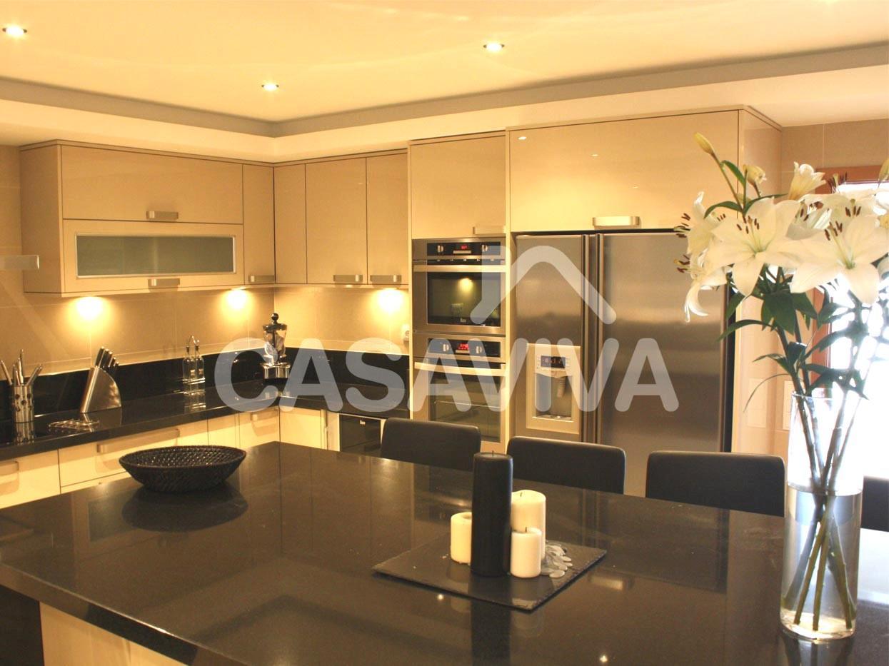 Remodelação total de cozinha com substituição de revestimentos  #BF800C 1245 933