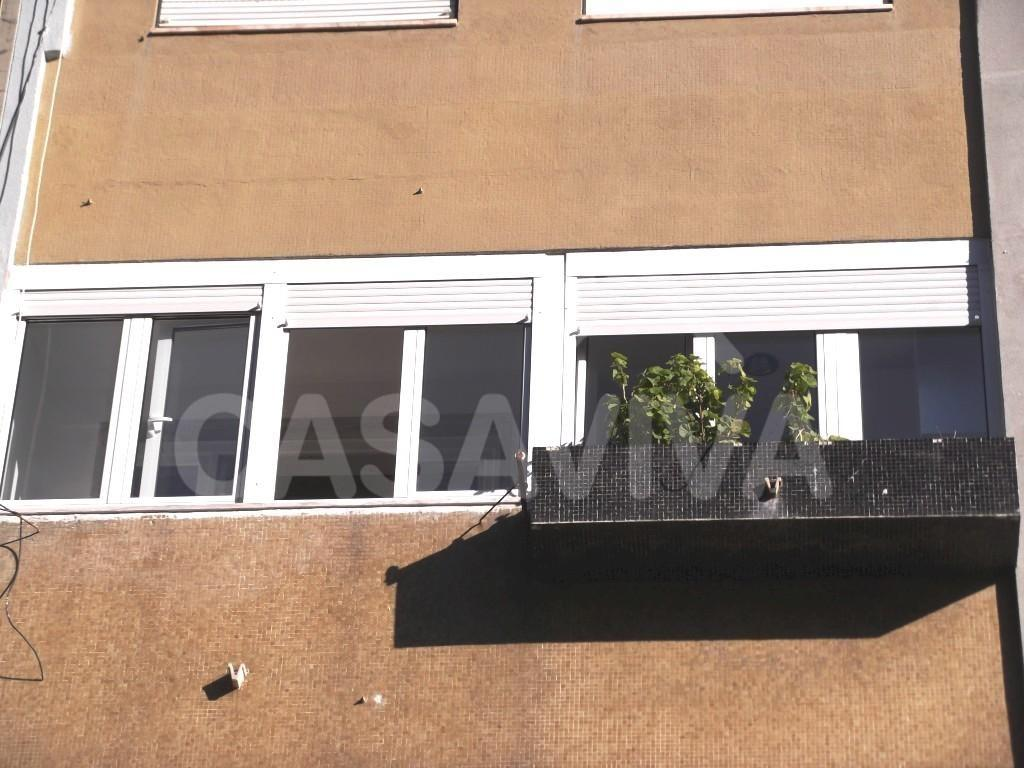 #90653C  janelas oscilobatentes em alumínio lacado com vidro duplo e corte 56 Janelas De Vidro Duplo Brasil