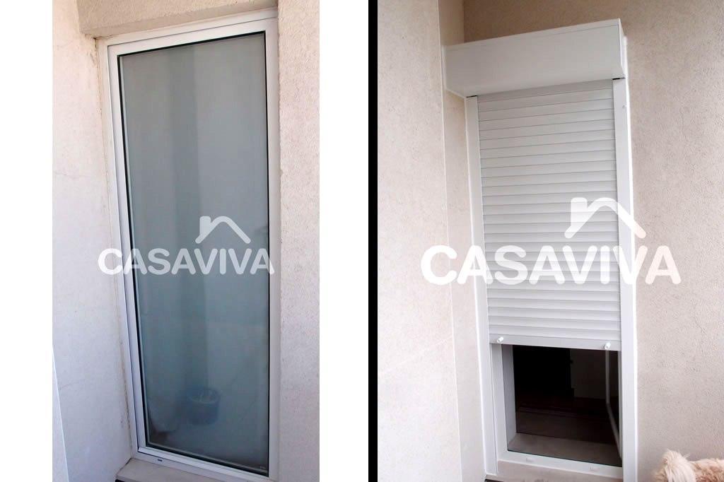 Substituição de janela (vão fixo) por porta de abrir em PVC com vidro duplo fosco e estore exterior em PVC.