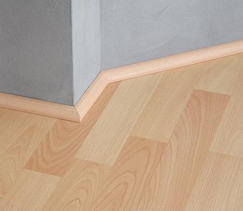 Os pisos em madeira sao detentores de uma grande adaptabilidade arquitetónica.