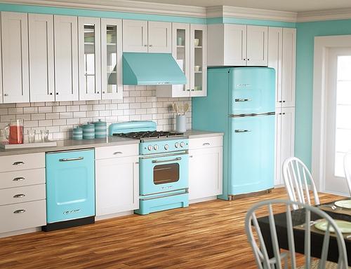 Além do mobiliário na sua cozinha, há ainda que ter em conta os revestimentos, os equipamentos e os tampos de bancada .