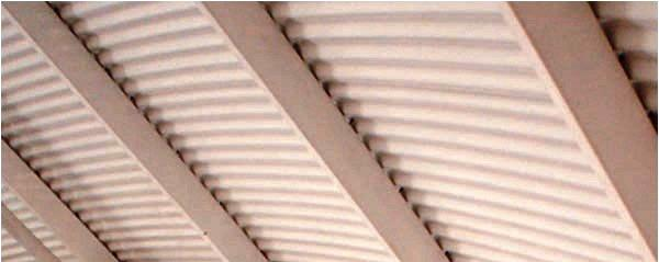 A utilização de elementos metálicos para a execução de uma cobertura pode ser uma boa solução no caso de grandes vãos como em pavilhões ou complexos desportivos.