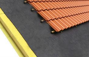Existem sistemas de isolamento que permitem minimizar as trocas de calor entre a cobertura e o exterior.