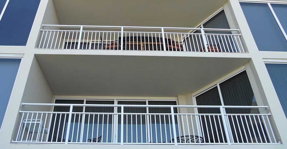 Em dias mais quentes a vontade de aproveitar melhor a área aberta da sua casa é maior. Faça da sua varanda ou terraço a continuação da sua casa com o nível de conforto desejado.