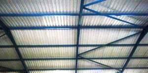 Os painéis flutuantes são habitualmente usados em anexos, armazéns e edifícios não habitacionais.