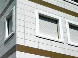 Na reabilitação de fachadas, antes de se aplicar uma solução de revestimento é imperativo diagnosticar todas as possíveis anomalias que o suporte poderá apresentar e tomar as devidas acções de reabilitação.