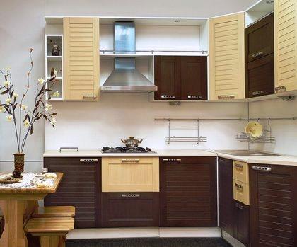 As cozinhas foram os espaços que mais evoluíram nos últimos tempos com o aparecimento de novos materiais pelo que é normalmente o espaço que mais beneficia numa remodelação.