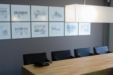Existem vários tipos de escritórios: escritórios em habitações, escritório de empresas, salas de reunião, salas de chefia, salas corporativas, salas de administração, entre outros.