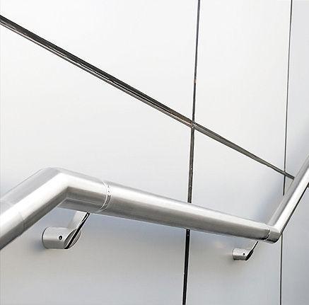 O aço, material extremamente resistente, é um material estrutural bastante comum em trabalhos de serralharia.