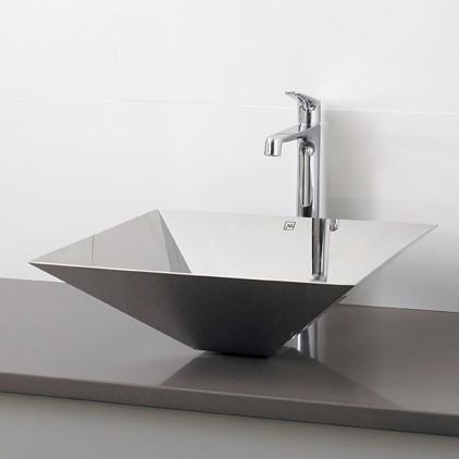 Os metais podem ser os materiais de eleição para equipamentos sanitários se o Cliente preferir.