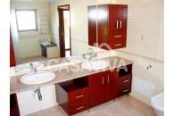 Remodelação de duas Casas de Banho